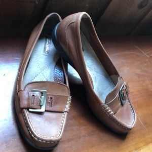 Ladies Thom McAn leather loafers